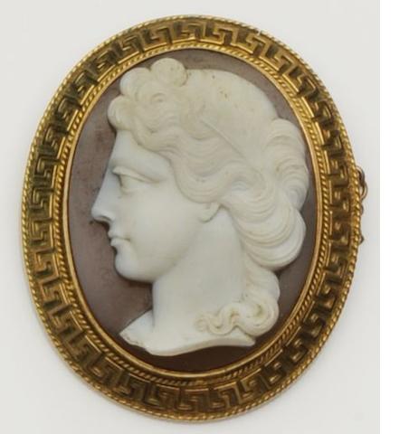 A Victorian hardstone cameo brooch/pendant