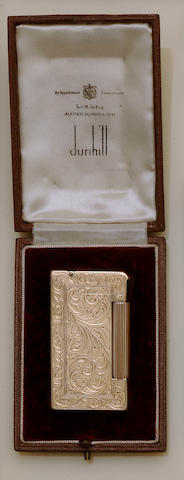 Dunhill: A 9ct gold lighter