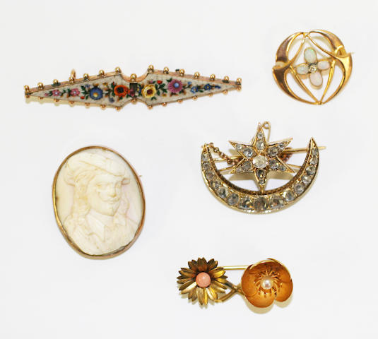 A collection of jewellery, (5)
