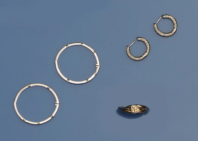 David Morris: Two pairs of 18ct white gold diamond set earhoops and a ring
