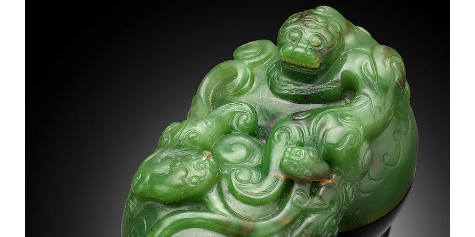 A well-carved spinach jade double-gourd seal 18th/19th century