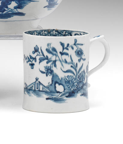 A Lowestoft mug, circa 1763-65