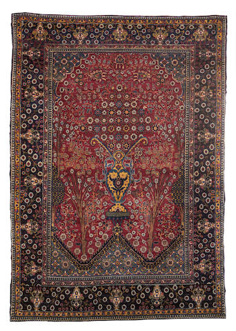 A Tehran rug, Central Persia, circa 1920, 6 ft 6 in x 4 ft 7 in (197 x 140 cm)