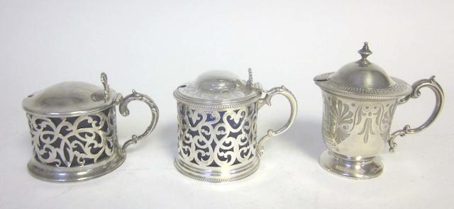 Three silver mustard pots  (5)