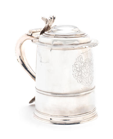 A Queen Anne lidded silver tankard by John Read, London, 1708,