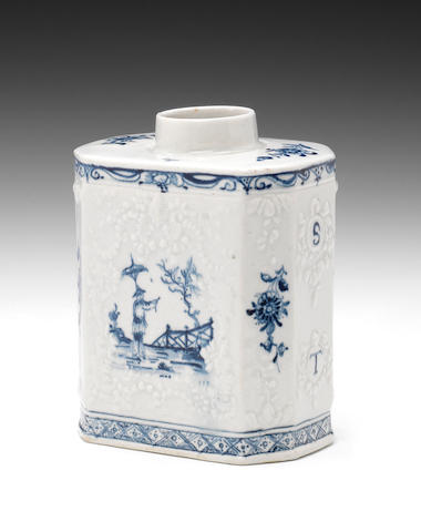 A good Lowestoft tea canister, circa 1762-65