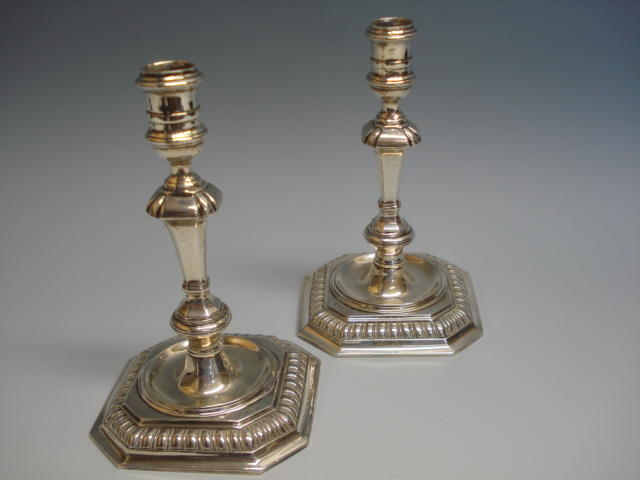 A pair of 18th century style cast silver candlesticks by Charles S. Green and Co, Birmingham, 1963,  (2)