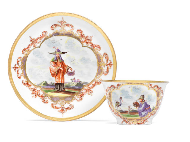 An early Meissen teabowl and saucer, circa 1722-23