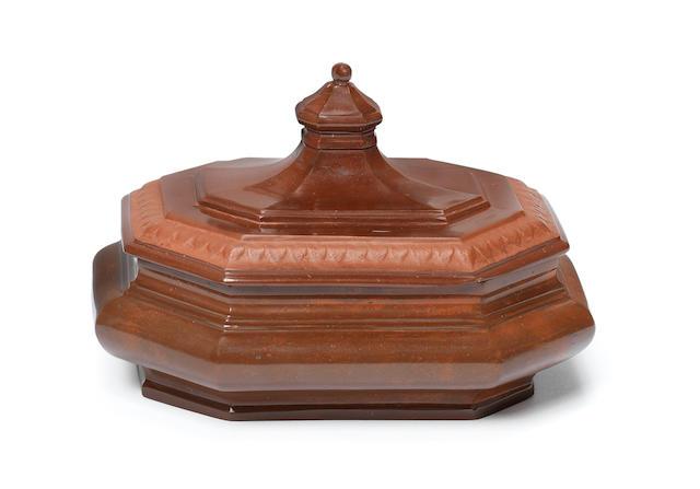 A Meissen Böttger stoneware octagonal sugar box and cover, circa 1710-13