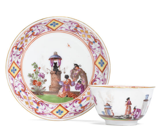 A Meissen teabowl and saucer, circa 1725-30