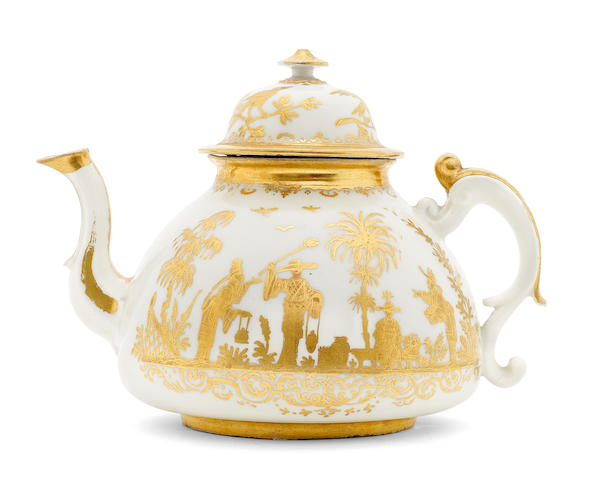 A Meissen Hausmaler teapot and cover, circa 1720-30