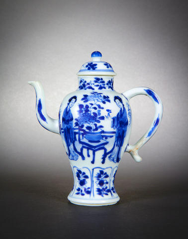 A small blue and white ewer and cover 17th century, Yu one-character mark