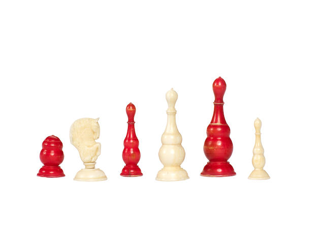 Russian Export walrus ivory chess set, late 18th century