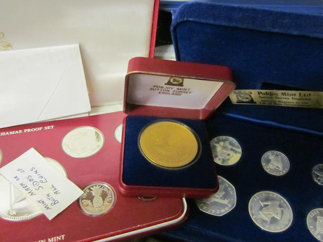 A large quantity of modern commemorative coins, (Qty)