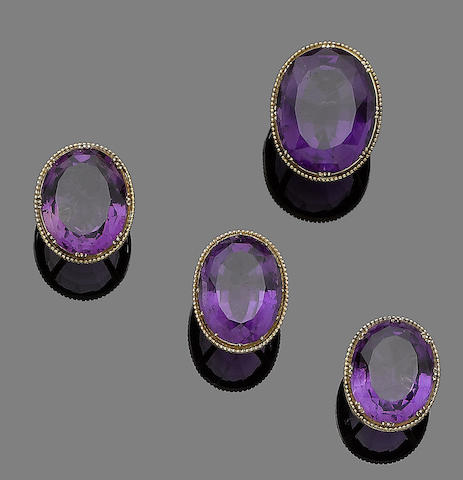 Four amethyst jewels (4)