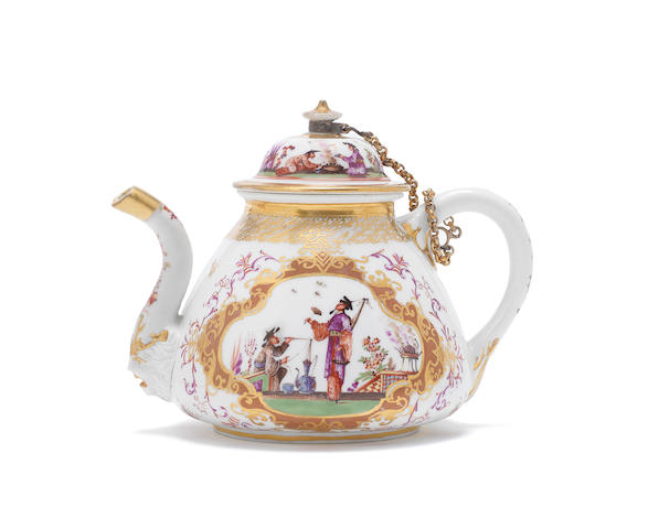 A Meissen KPM teapot and cover, circa 1724