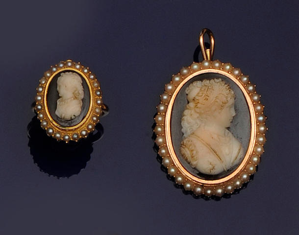 An oval hardstone cameo pendant/brooch and ring (2)