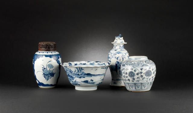 Four pieces of blue and white porcelain