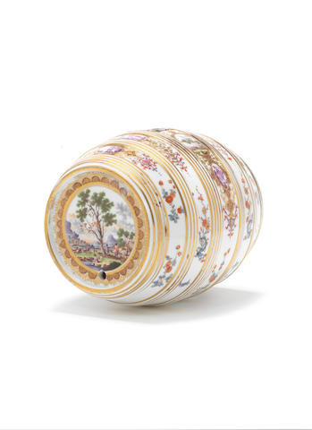 A Meissen spirit barrel, ex sale 13948, lot 72 (broken and restuck)