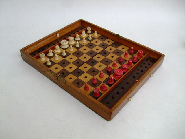 "An ""In Statu Quo"" travelling chess set, Jaques & Sons, 19th century,"
