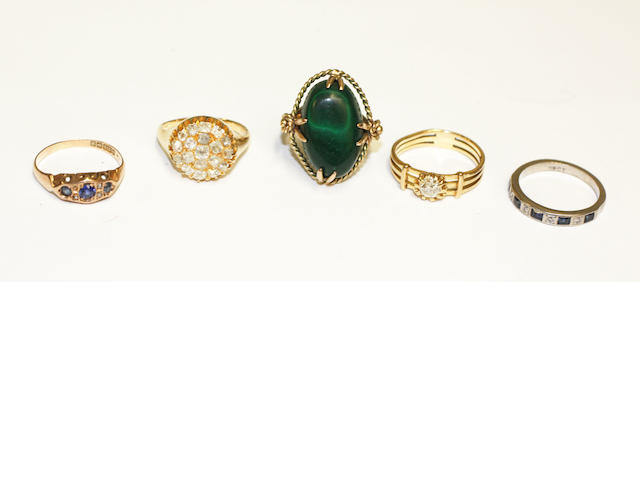 A collection of 5 dress rings