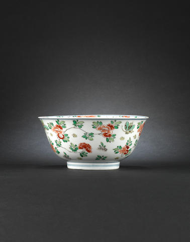 A famille verte bowl Xuande six-character mark