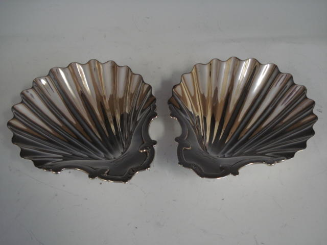 Pair shell dishes L1773