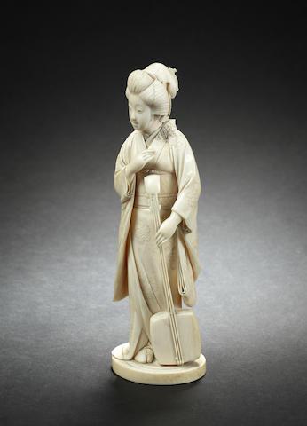 An ivory figure of a bijin, by Bungyoku, Meiji period