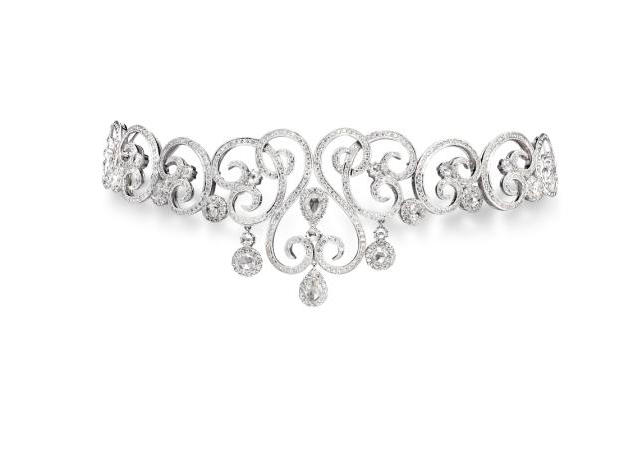 A diamond choker