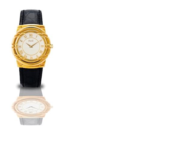 Piaget. A fine 18ct gold manual wind wristwatch Ref:GOA 15009, Case No.548993, Circa 1990