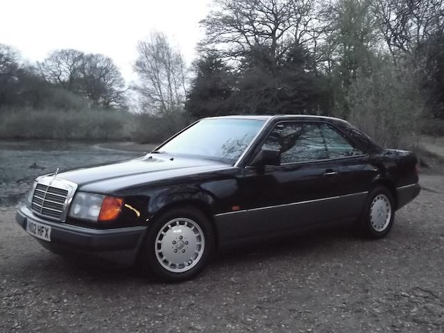 Mercedes 230 CE,