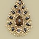 An antique Continental diamond set pendant (2)