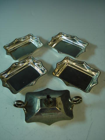A paraffin cigar/cigarette lighter  (5)