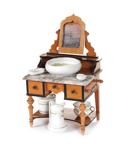 Fine dolls wash stand, German circa 1900