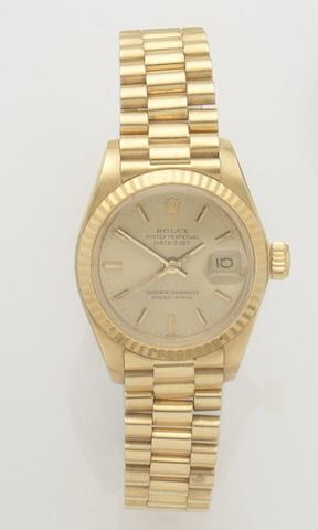 Rolex. A lady's 18ct gold automatic calendar bracelet watchDatejust, Ref:6917, Case No.5758996, Movement No.92112, Circa 1990