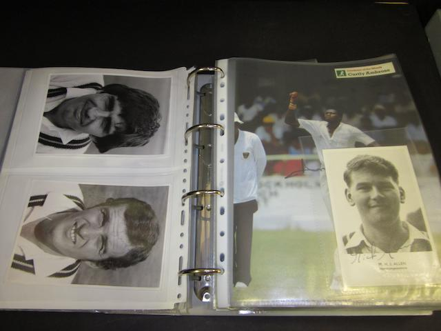 1940's/60's individual Northamptonshire cricket players and cricket teams hand signed pictures