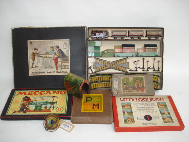 Bing Miniature table railway and other toys lot