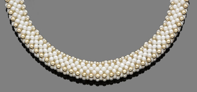 A seed pearl collar necklace