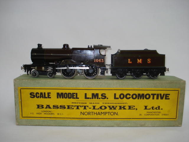 Bassett-Lowke 5302/0 DC electric LMS Compound locomotive and tender