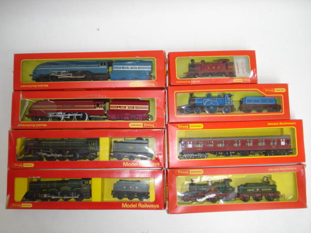 Tri-ang Hornby locomotives, coaches and rolling stock lot