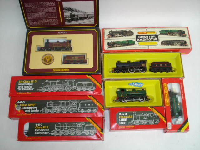 Hornby Railways locomotives and coaches lot
