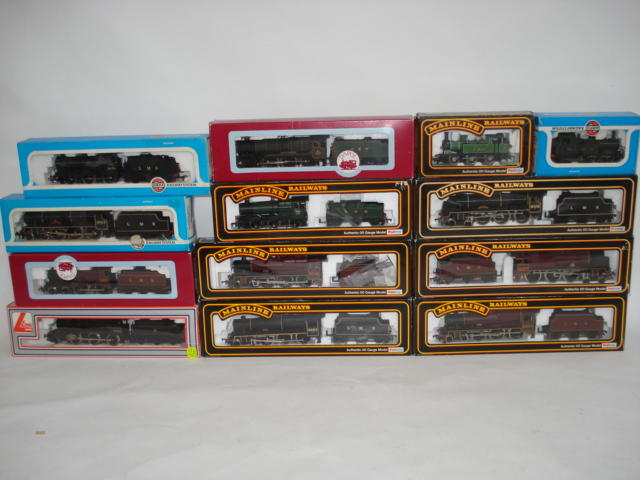 Mainline, Airfix and other engines and rolling stock lot
