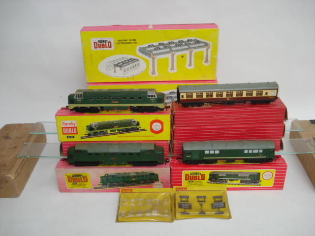 Hornby Dublo Diesel engines, rolling stock and track side accessories lot