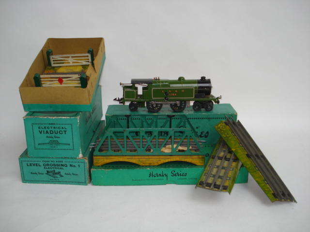Hornby Series 6-volt No.2 LNER 4-6-2 tank engine and electric accessories 4