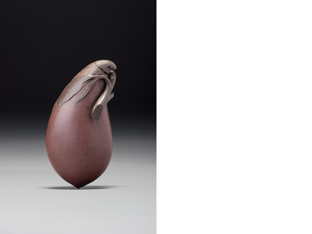 An Yixing stoneware 'aubergine' snuff bottle Yixing, 1780–1900