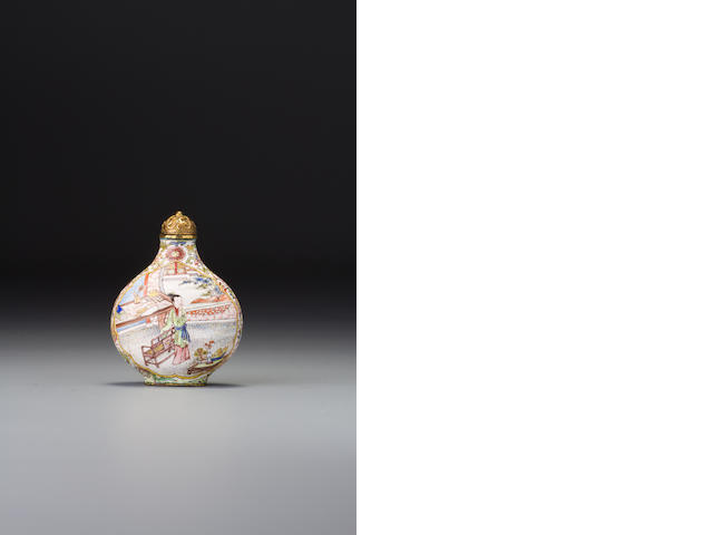 A 'famille-rose' enamel on copper with gold 'figures in mansion' snuff bottle Imperial, palace workshops, Beijing, Kangxi blue-enamelled four-character mark and of the period,  1705–1718