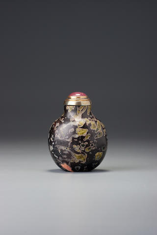 An amygdaloidal basalt snuff bottle 1740–1880