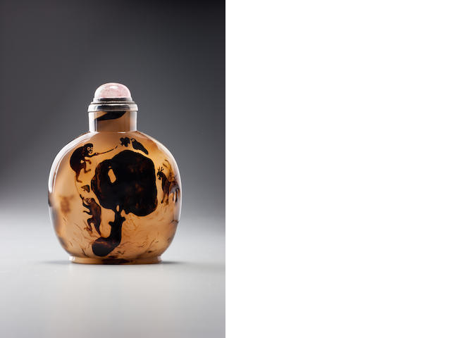An agate 'monkeys, deer, butterfly, and bird' snuff bottle Official School, 1770–1880