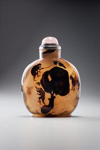 An agate 'monkeys, deer, butterfly, and bird' snuff bottle Official School, 1770–1880