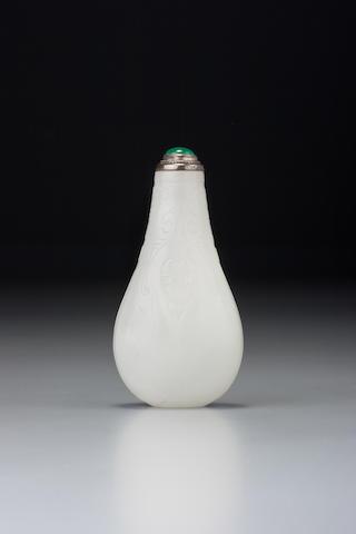 A white nephrite 'cicada' snuff bottle 1700–1840